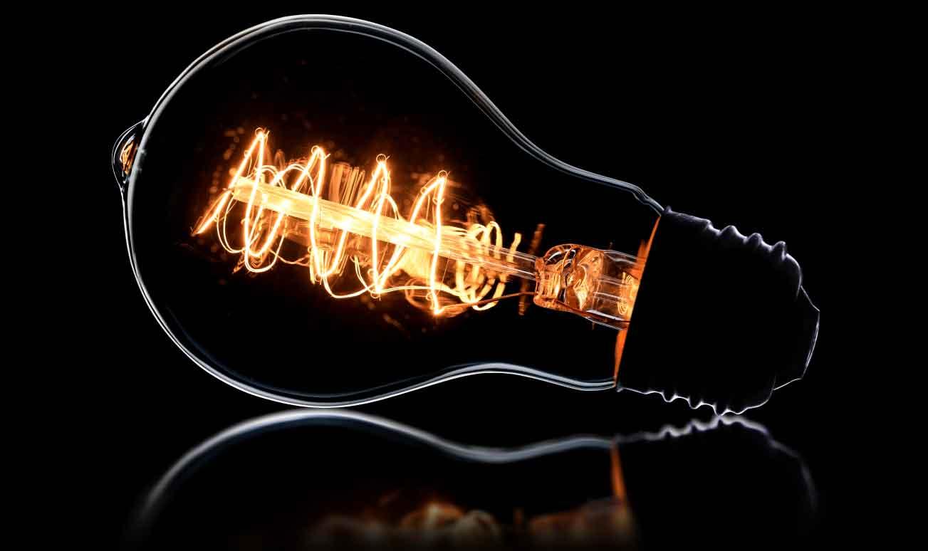 bombilla apagada despues el corte de suministro electrico • Atlántico Legal • corte de suministro eléctrico