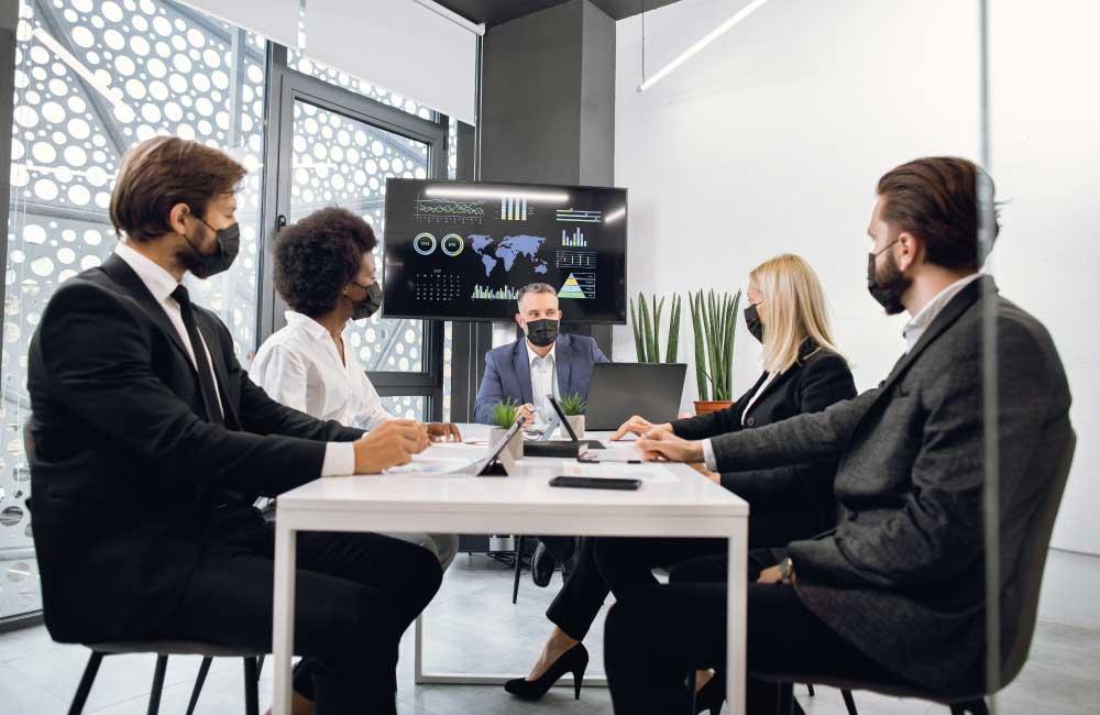 Reunión de empresa para modificar las condiciones del contrato de trabajo. Asesoría laboral con Atlántico Legal